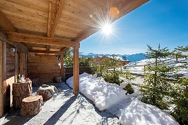 Ski-Armadillo-Chalet-Baryte-Balcony-View.jpg