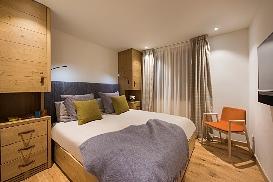 Ski-Armadillo-Chalet-Baryte-Guestroom3.jpg