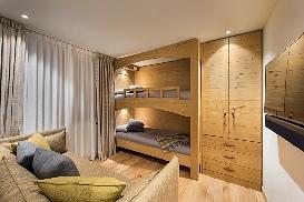 Ski-Armadillo-Chalet-Baryte-Guestroom4.jpg