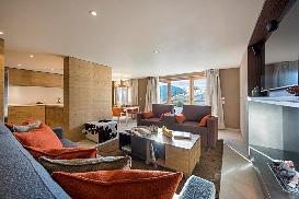 Ski-Armadillo-Chalet-Baryte-Open-Plan-Living (1).jpg