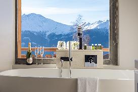 Bath tub room 14.jpg