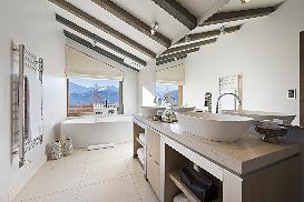 Bathroom 14.jpg