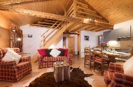 Darbay-Lounge2.jpg