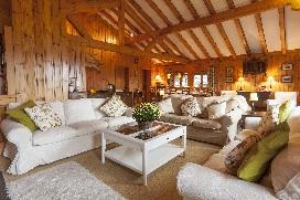 2 Chalet Norjeanne Living Room.jpg2.jpg