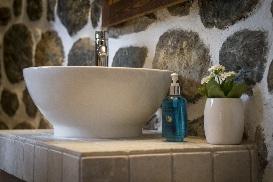 8 Chalet Norjeanne Bathroom 2.jpg1.jpg