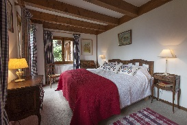 Chalet Norjeanne Master Bedroom.jpg