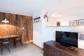 edelweiss-apartment-1060360.jpg